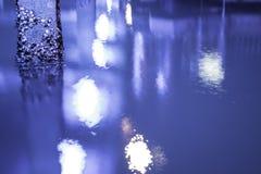 Στο κέντρο της πόλης αποβάθρα του Ώκλαντ που λούζεται στο UV φως Στοκ εικόνες με δικαίωμα ελεύθερης χρήσης