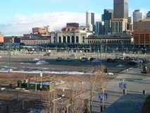 Στο κέντρο της πόλης αύξηση πόλεων στοκ εικόνες