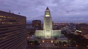 Στο κέντρο της πόλης κεραία του Λος Άντζελες Δημαρχείο απόθεμα βίντεο