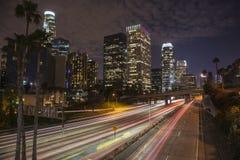 Στο κέντρο της πόλης νύχτα του Λος Άντζελες scape Στοκ φωτογραφία με δικαίωμα ελεύθερης χρήσης