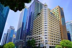 Στο κέντρο της πόλης ουρανοξύστες της Σιγκαπούρης Στοκ Εικόνες