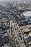 Στο κέντρο της πόλης Σάντα Μόνικα κεραία αυτοκινητόδρομων του Λος Άντζελες Στοκ Φωτογραφία