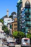 Στο κέντρο της πόλης Coit πύργος του Σαν Φρανσίσκο Στοκ Εικόνες