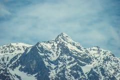 Στο μπροστινό χιόνι peack των βουνών Himalayan Στοκ Φωτογραφία