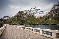 Στο φράγμα της λίμνης Fedaia Στοκ εικόνα με δικαίωμα ελεύθερης χρήσης