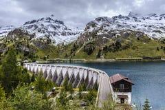 Στο φράγμα της λίμνης Fedaia Στοκ εικόνες με δικαίωμα ελεύθερης χρήσης