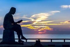 Στο φως πρωινού της ανατολής στο άγαλμα Στοκ εικόνες με δικαίωμα ελεύθερης χρήσης