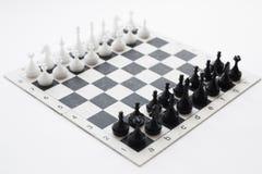 στρατηγική ανταγωνισμού σκακιού χαρτονιών Στοκ Εικόνες