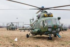 Στρατιωτικά ελικόπτερα στο καθήκον αγώνα Στοκ Εικόνες