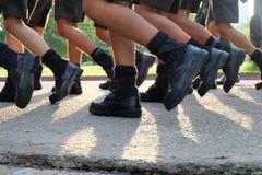 Στρατιωτικά κριτήρια το περπατημένο σειρά πόδι Στοκ φωτογραφία με δικαίωμα ελεύθερης χρήσης