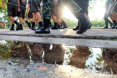 Στρατιωτικά κριτήρια το περπατημένο σειρά πόδι Στοκ φωτογραφίες με δικαίωμα ελεύθερης χρήσης