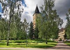 Στρατιωτικά νεκροταφείο και καμπαναριό της εκκλησίας της κυρίας μας σε Lappeenranta Νότια Καρελία Φινλανδία Στοκ φωτογραφίες με δικαίωμα ελεύθερης χρήσης