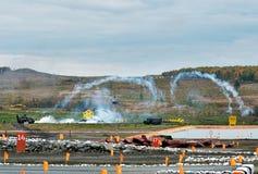 Στρατιωτικά οχήματα εφαρμοσμένης μηχανικής στη σειρά πυρκαγιών Στοκ Φωτογραφία