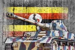 Στρατιωτική δεξαμενή με τη συγκεκριμένη σημαία της Ουγκάντας Στοκ Φωτογραφία