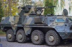 Στρατιωτική δεξαμενή στον τομέα Στοκ εικόνες με δικαίωμα ελεύθερης χρήσης