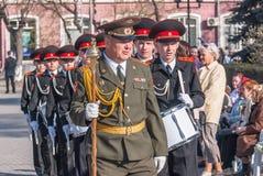 Στρατιωτική ορχήστρα μαθητών στρατιωτικής σχολής στην παρέλαση ημέρας νίκης Στοκ εικόνες με δικαίωμα ελεύθερης χρήσης