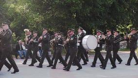 Στρατιωτική ορχήστρα πνευστ0ών από χαλκό των οπλισμένων δυνάμεων της Ουκρανίας απόθεμα βίντεο