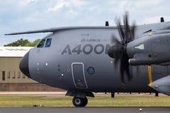 Στρατιωτική υπεράσπιση και διαστημικά αεροσκάφη φ-WWMZ airbus airbus μεταφορών ατλάντων A400M τεσσάρων μηχανών μεγάλα στρατιωτικά Στοκ φωτογραφίες με δικαίωμα ελεύθερης χρήσης