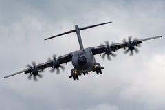 Στρατιωτική υπεράσπιση και διαστημικά αεροσκάφη φ-WWMZ airbus airbus μεταφορών ατλάντων A400M τεσσάρων μηχανών μεγάλα στρατιωτικά Στοκ Φωτογραφίες