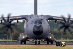 Στρατιωτική υπεράσπιση και διαστημικά αεροσκάφη φ-WWMZ airbus airbus μεταφορών ατλάντων A400M τεσσάρων μηχανών μεγάλα στρατιωτικά Στοκ Φωτογραφία