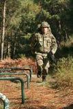 στρατιωτική φυσική κατάρτ&i Στοκ φωτογραφία με δικαίωμα ελεύθερης χρήσης