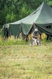 Στρατιωτικός-ιστορική αναδημιουργία ` που στέκεται στον ποταμό Ugra ` στην περιοχή Kaluga της Ρωσίας στοκ φωτογραφία με δικαίωμα ελεύθερης χρήσης
