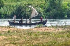 Στρατιωτικός-ιστορική αναδημιουργία ` που στέκεται στον ποταμό Ugra ` στην περιοχή Kaluga της Ρωσίας στοκ εικόνες