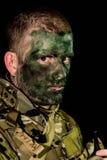 Στρατιωτικός που κοιτάζει θυμωμένα στοκ εικόνες