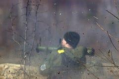 Στρατιωτικός πυροβολισμός από το μπαζούκας στο warfield Στοκ Φωτογραφία