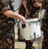 Στρατιωτικός τυμπανιστής στοκ εικόνα με δικαίωμα ελεύθερης χρήσης