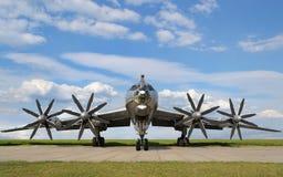 Στρατιωτικό αεροπλάνο βομβαρδιστικών αεροπλάνων Στοκ εικόνες με δικαίωμα ελεύθερης χρήσης