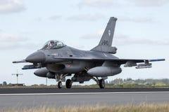 Στρατιωτικό αεροπλάνο πολεμικό τζετ F-16 Στοκ Φωτογραφία