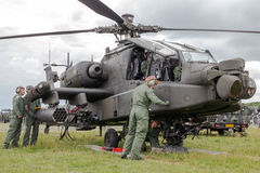 Στρατιωτικό επιθετικό ελικόπτερο Apache Στοκ Εικόνες