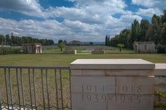 Στρατιωτικό νεκροταφείο Στοκ εικόνα με δικαίωμα ελεύθερης χρήσης