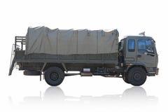Στρατιωτικό φορτηγό που απομονώνεται στο άσπρο υπόβαθρο Στοκ φωτογραφία με δικαίωμα ελεύθερης χρήσης