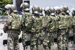Στρατιώτες με το αναβρασμό στη Μπανγκόκ στοκ εικόνες