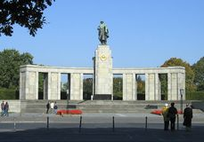 στρατιώτες μνημείων σοβι&eps Στοκ Εικόνες
