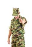 0 στρατιώτης με το κρυμμένο πρόσωπο στην πράσινη κάλυψη ομοιόμορφη και το χ Στοκ Εικόνες
