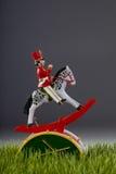 Στρατιώτης παιχνιδιών στην πράσινη χλόη. Στοκ Εικόνες