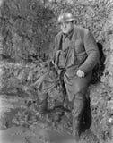 Στρατιώτης σε μια τάφρο στον Πρώτο Παγκόσμιο Πόλεμο (όλα τα πρόσωπα που απεικονίζονται δεν ζουν περισσότερο και κανένα κτήμα δεν  Στοκ φωτογραφία με δικαίωμα ελεύθερης χρήσης