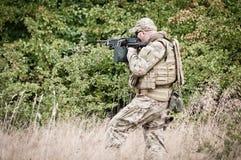 Στρατιώτης στην περίπολο Στοκ φωτογραφία με δικαίωμα ελεύθερης χρήσης