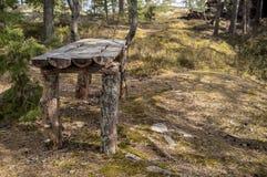 Στρατόπεδο στη δύσκολη ακτή της λίμνης E Στοκ Φωτογραφίες
