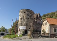 Στρογγυλή νοτιοανατολική γωνία πύργων, ενισχυμένη εκκλησία του ST Michael στοκ φωτογραφία με δικαίωμα ελεύθερης χρήσης
