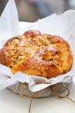 Στρογγυλό γλυκό κέικ ψωμιού Στοκ εικόνα με δικαίωμα ελεύθερης χρήσης