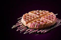 Στρογγυλά μπισκότα σε ένα σκοτεινό υπόβαθρο Στοκ Φωτογραφίες