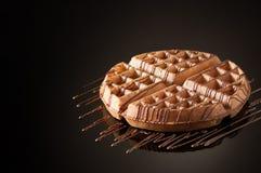 Στρογγυλά μπισκότα σε ένα σκοτεινό υπόβαθρο Στοκ Φωτογραφία