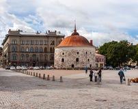 Στρογγυλός πύργος και αγορά τετραγωνικό Vyborg Στοκ φωτογραφία με δικαίωμα ελεύθερης χρήσης