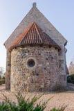 Στρογγυλό apse μιας μεσαιωνικής πέτρας churh Στοκ φωτογραφίες με δικαίωμα ελεύθερης χρήσης