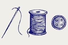 Στροφίο με τα νήματα και το ράβοντας κουμπί Στοκ φωτογραφίες με δικαίωμα ελεύθερης χρήσης
