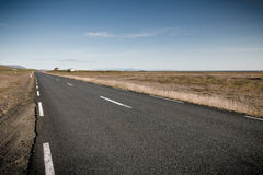 Στρωμένος δρόμος στην Ισλανδία Στοκ εικόνα με δικαίωμα ελεύθερης χρήσης